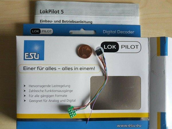 ESU 59820 LokPilot Micro Decoder V5 DCC Kabel + 8-pol. Stecker (53661)