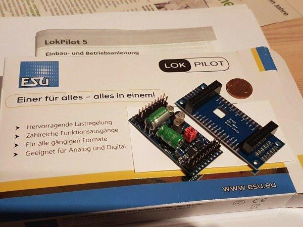 ESU 59315 Lokpilot L V5 DCC/MM/SX/M4, Stiftleiste mit Adapter Spur 0, G, 1